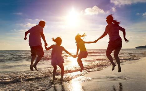 Consigli utili e falsi miti per la vita da spiaggia